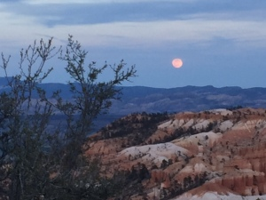 Moon rise over Bryce Canyon